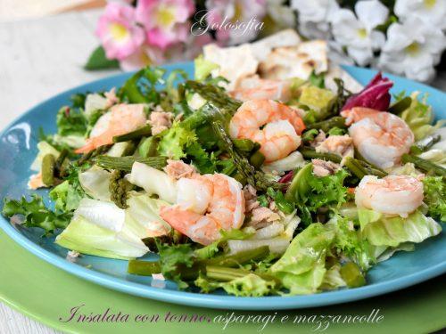 Insalata con tonno, asparagi e mazzancolle, ricetta gustosissima