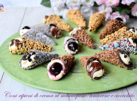 Coni ripieni di crema al mascarpone, amarene e cioccolato, veloci e golosi!
