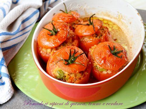 Pomodori ripieni di quinoa, tonno e verdure, buonissimi e leggeri!
