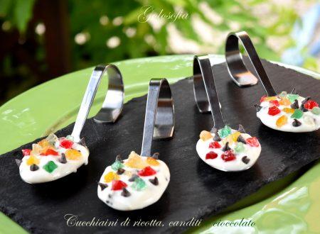 Cucchiaini di ricotta, canditi e cioccolato, velocissimi e squisiti