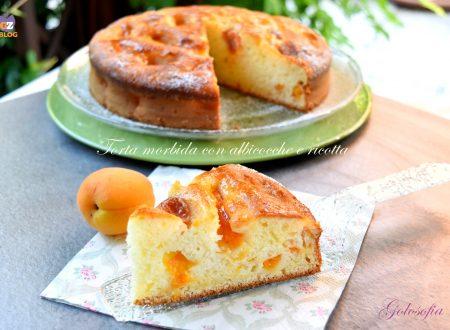 Torta morbida con albicocche e ricotta, buonissima e senza burro