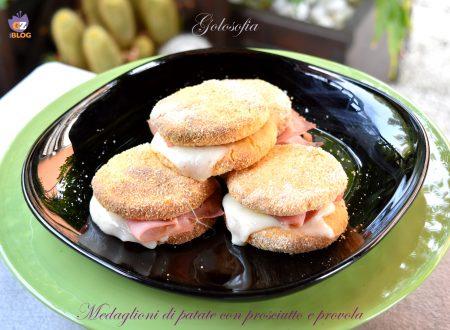 Medaglioni di patate con prosciutto e provola, buonissimi al forno