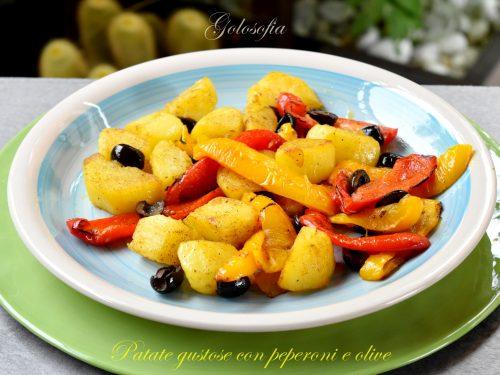 Patate gustose con peperoni e olive, ricetta buonissima