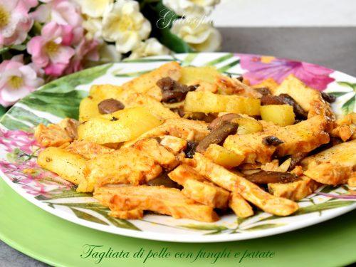Tagliata di pollo con funghi e patate, ricetta semplice e ghiotta!