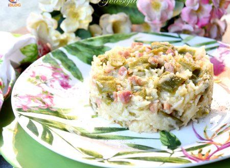 Risotto gustoso con taccole e pancetta, semplice e squisito