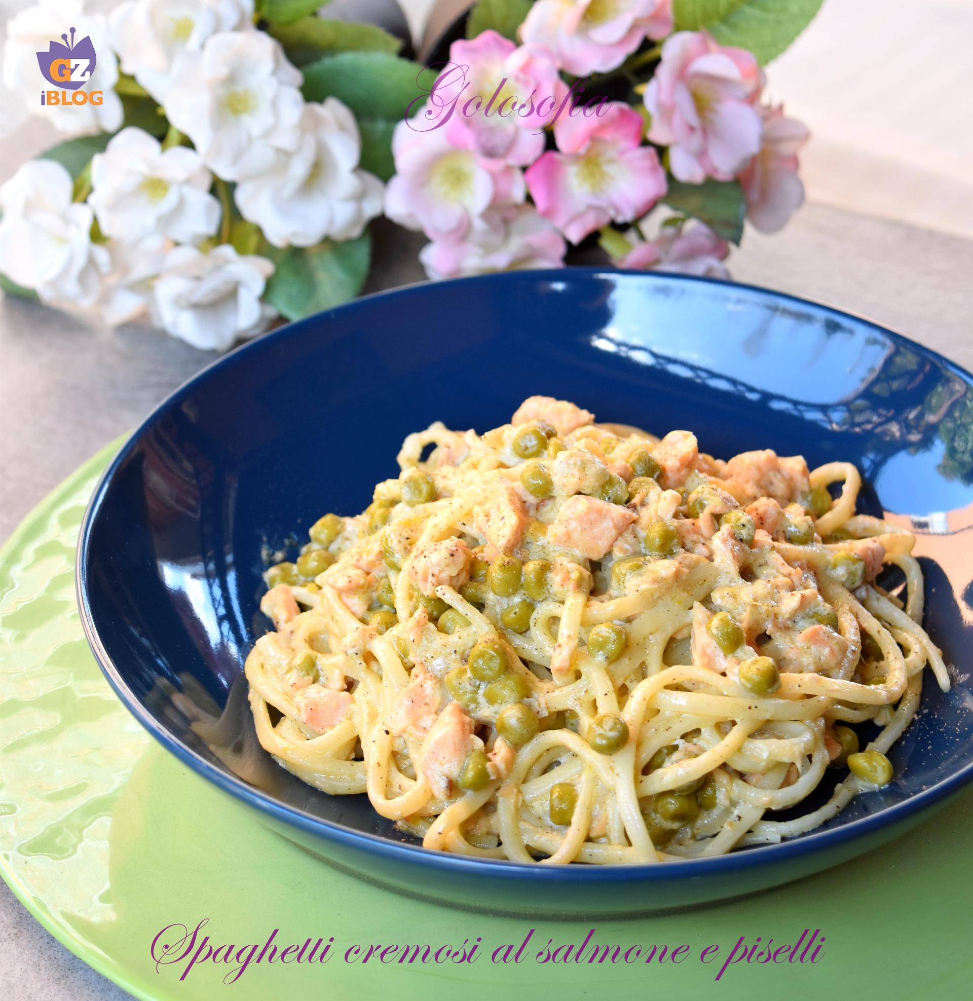 Spaghetti cremosi al salmone e piselli-ricetta primi-golosofia