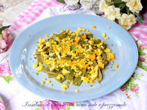 Insalata di taccole con uova sode e prezzemolo, gustosa e nutriente