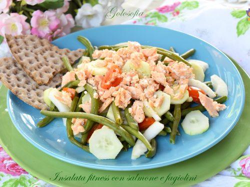 Insalata fitness con salmone e fagiolini, ricetta fresca e nutriente!