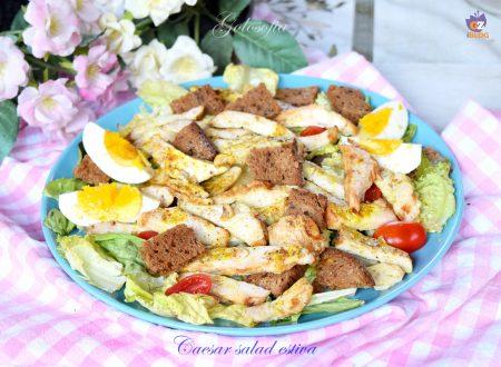 Caesar salad estiva, piatto unico gustoso e nutriente