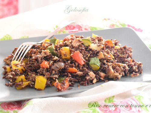 Riso venere con tonno e verdure, ricetta buonissima e leggera
