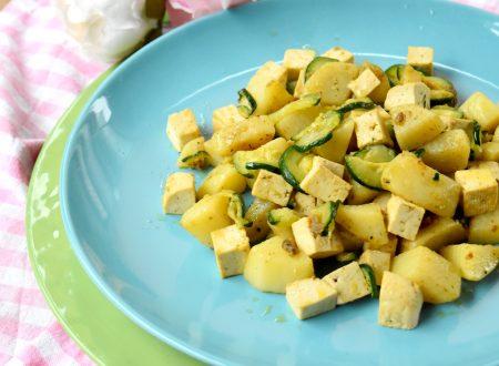 Tofu al curry con patate e zucchine, gustoso e leggero