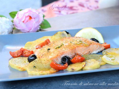 Trancio di salmone alla mediterranea, ricetta buonissima e veloce