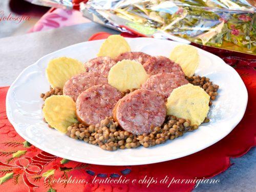 Cotechino, lenticchie e chips di parmigiano, ricetta semplice e squisita