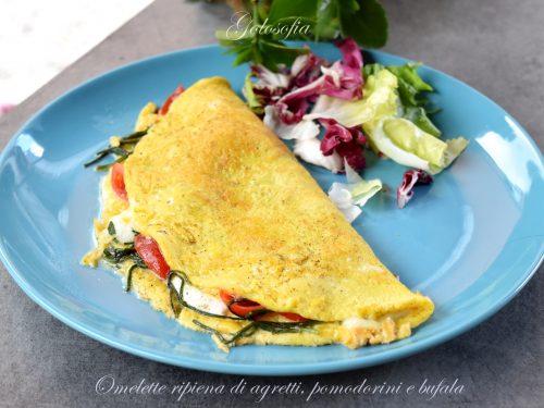 Omelette ripiena di agretti, pomodorini e bufala, gustosa e veloce