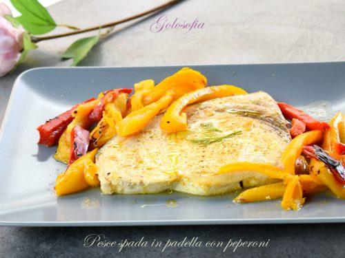 Pesce spada in padella con peperoni, gustosissimo e veloce!