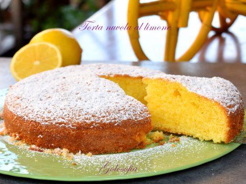 Torta nuvola al limone, ricetta sofficissima e strepitosa