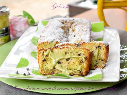 Plumcake con cuore di crema al pistacchio e cioccolato, soffice bontà