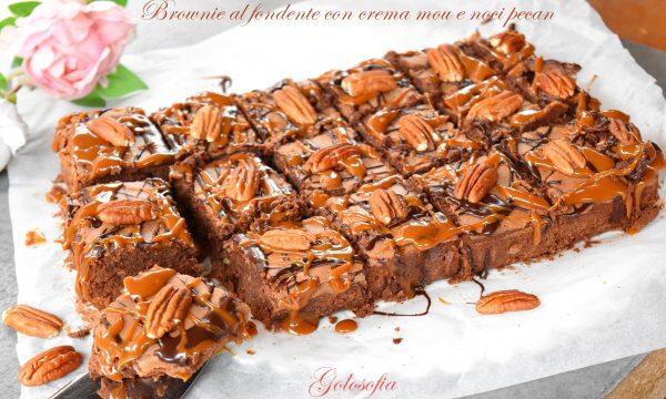 Brownie al fondente con crema mou e noci pecan, ricetta favolosa!
