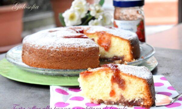 Torta soffice alla panna e confettura di fragole, ricetta fantastica!
