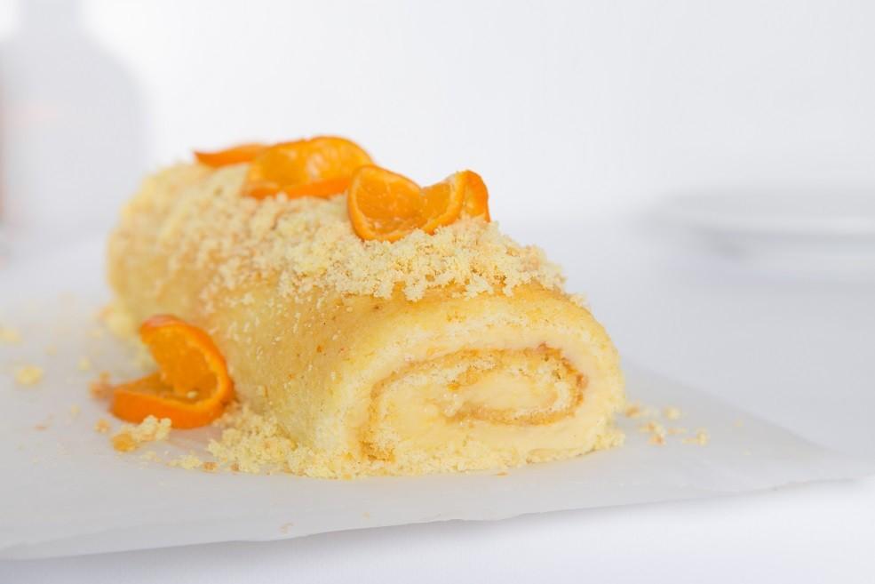 Ricetta Rotolo con Crema alla Vaniglia Arnacio e Mandorle Tostate