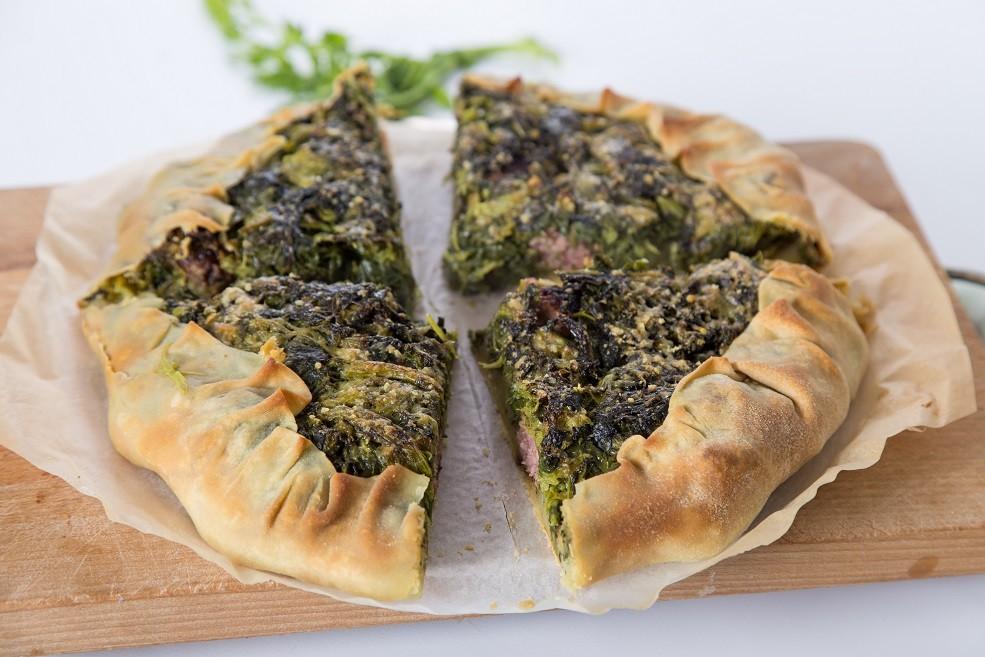 Ricetta torta rustica broccoletti salsiccia patate goodcook for Secondi romani