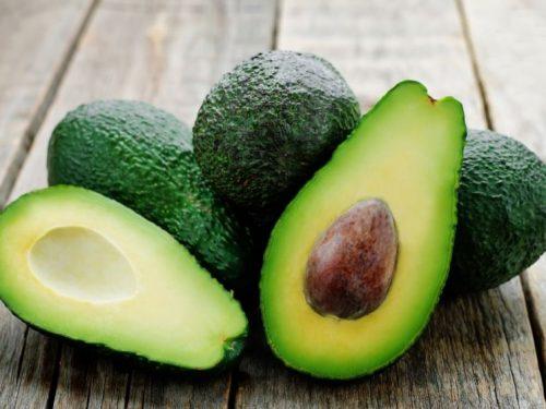 Barchette di avocado con riso -vegan-