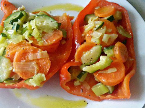 Barchette di peperoni con verdure -vegan-