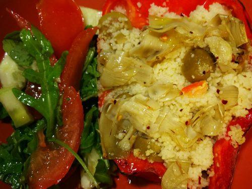 Peperoni ripieni di cous-cous e olive piccanti -vegan-