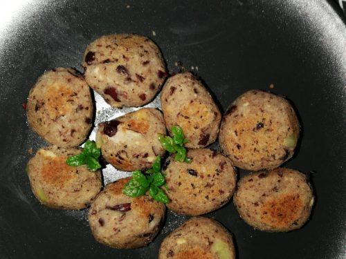 Polpette di fagioli rossi e tofu affumicato -vegan-