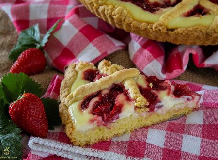 Crostata con ricotta, yogurt e fragole