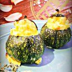 Zucchine tonde ripiene con formaggio caprino