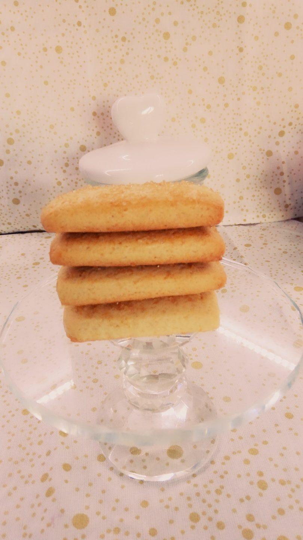 biscotti su alzatina