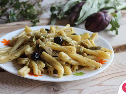 Caserecce con carciofi e olive