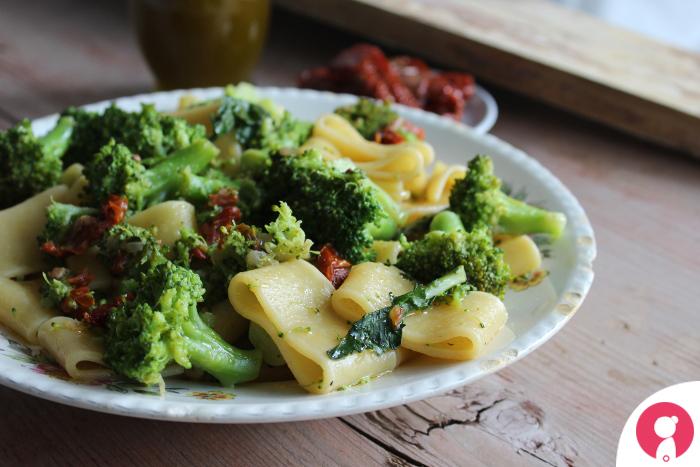 Calamarata con broccoletti