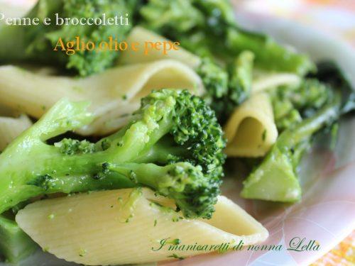 Penne e broccoletti aglio, olio e pepe