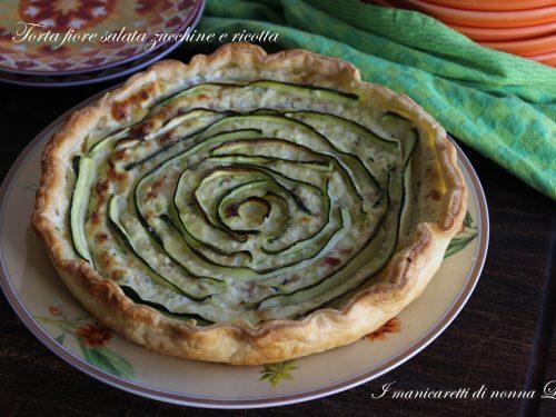 Torta fiore salata zucchine e ricotta