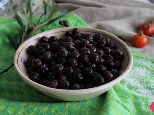 Olive nere sotto sale, come conservarle