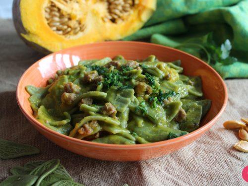 Pasta foglie di ulivo zucca e salsiccia