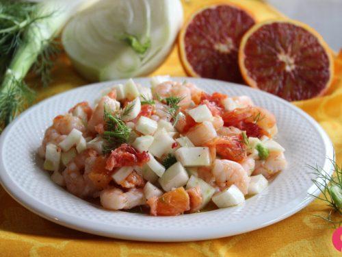 Insalata leggera finocchi gamberetti e arancia