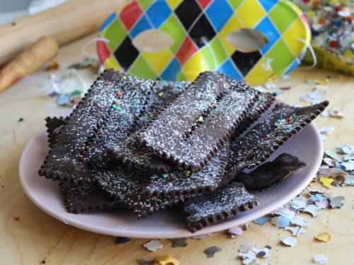 Come fare le chiacchiere al cacao, ricetta di Carnevale