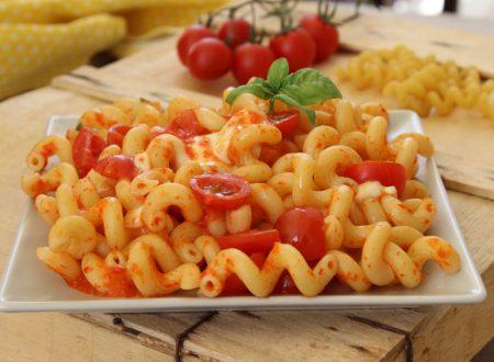 Pasta con crema di peperoni fredda