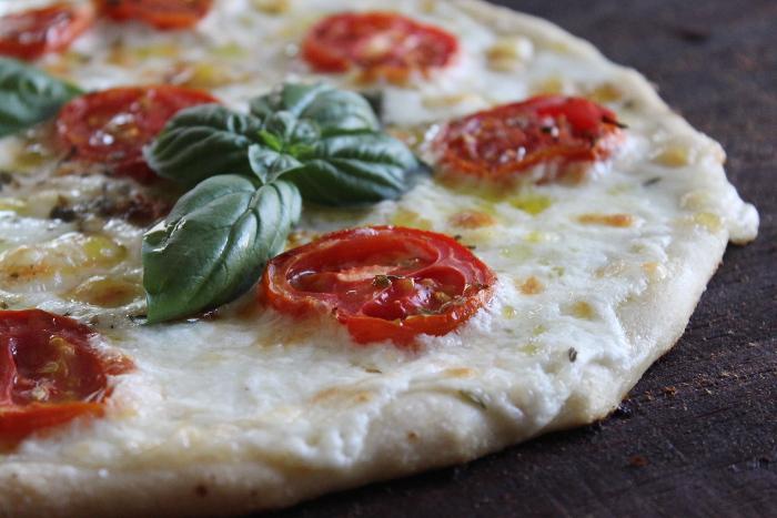 Pizza con stracciatella