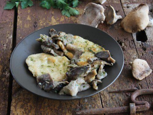 Scaloppine con funghi Cardoncelli di pollo