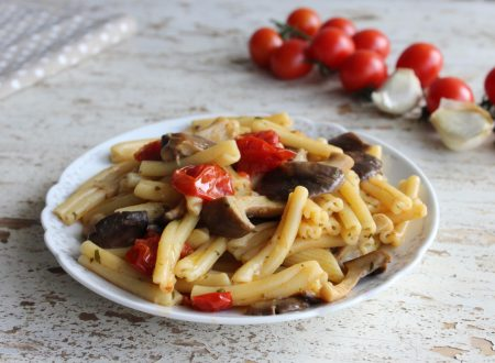 Come fare la pasta funghi e pomodorini ricetta light