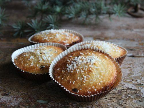 Muffin al cocco yogurt e gocce di cioccolato senza burro colazione genuina