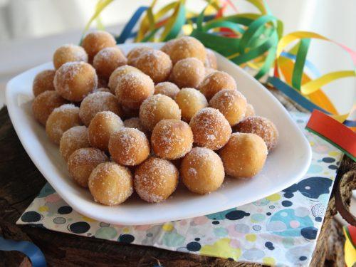 Castagnole in 5 minuti la ricetta last minute senza burro alla vaniglia