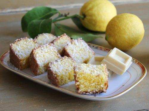 Torta al cioccolato bianco limone cocco ricetta soffice e umida