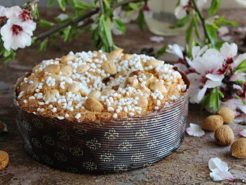 Torta di mandorle e granella di zucchero ricetta di Pasqua