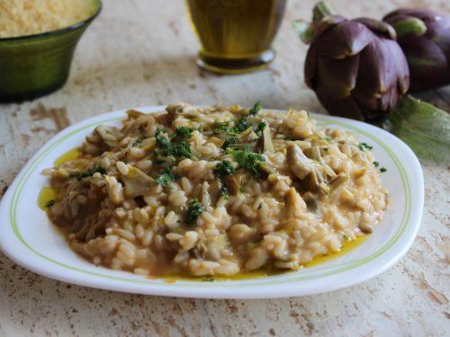 Risotto ai carciofi cremoso e gustoso ricetta facile e veloce