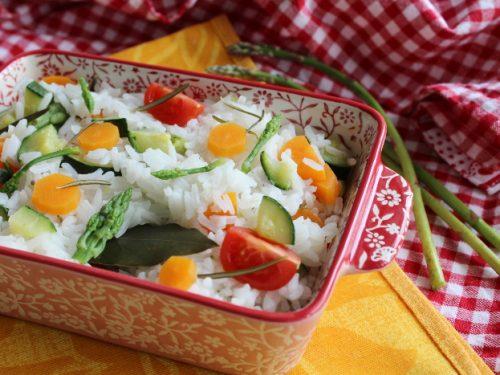 Insalata di riso light primaverile con riso Jasmin e verdure ricetta facile